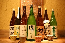 About 40 kinds of sake selected carefully