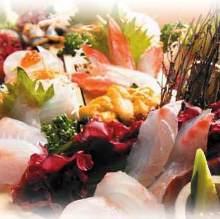 白肉鱼生鱼片拼盘