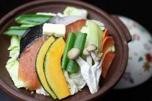 铁板烤鱼和蔬菜