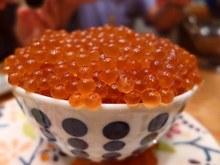 鲑鱼卵盖饭
