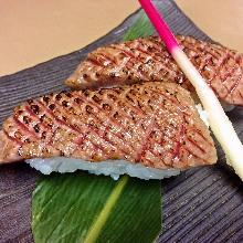 和牛肉手握寿司