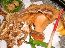 炸褐菖鲉全鱼