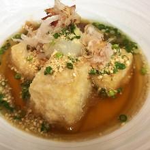 炸芝麻豆腐渍高汤