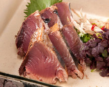 稻草熏烤鲣鱼