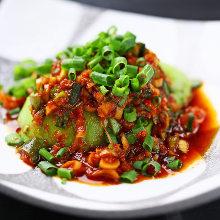 牛油果 淋韩式辣椒酱