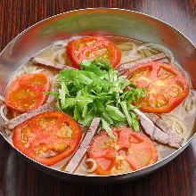 蔬菜番茄冷面