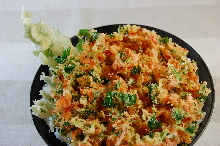 小虾鱼蔬天妇罗盖饭