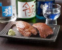 炙烤肉手握寿司