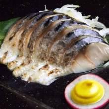 炙烤腌青花鱼