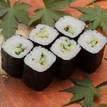 黄瓜卷寿司