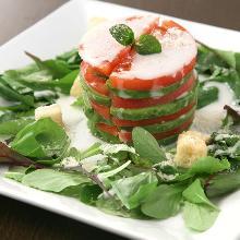 番茄牛油果沙拉
