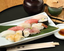 10种握寿司拼盘