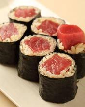 金枪鱼卷寿司
