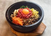 韩式石锅生牛肉拌饭