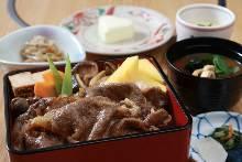 寿喜烧牛肉盖饭