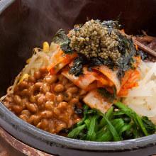 纳豆石锅拌饭
