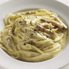 奶油培根義大利麵
