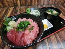 3種黑鮪魚蓋飯