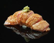 炙烤鮪魚大脂壽司