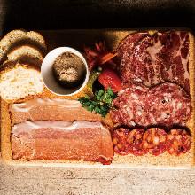 肉類熟食拼盤