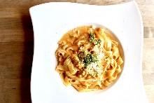 茄汁奶油義大利麵