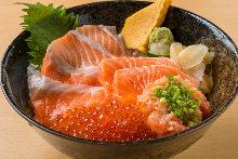 比較品嘗鮭魚蓋飯