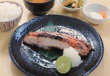 鹽烤金目鯛