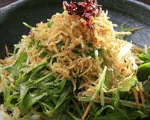 釜鍋炸沙丁魚水菜沙拉