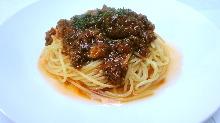 燉肉醬義大利麵