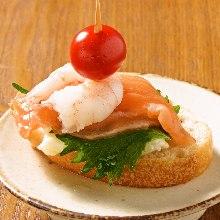 煙熏鮭魚和鮮奶油起司干那貝