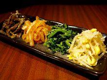 4種韓式拌菜拼盤