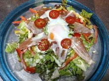 溫水煮蛋凱撒沙拉