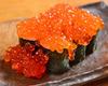 蓋澆鮭魚子壽司