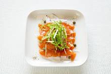 煙燻鮭魚酪梨凱撒沙拉