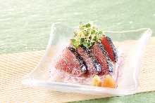 拍鬆鰹魚生魚片