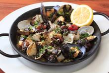 墨汁西班牙海鮮飯