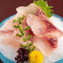 鯉魚生魚片