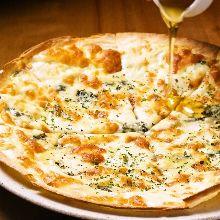 4種起司披薩 配蜂蜜