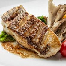 每日更換鐵板烤鮮魚