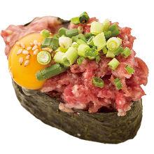 肥馬肉捲壽司