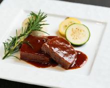 燉煮牛頰肉