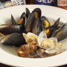 白葡萄酒蒸貝類