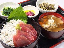 沙丁魚海鮮蓋飯