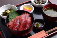 黑鮪魚蓋飯