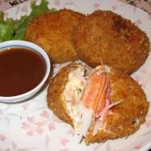 鮮奶油蟹肉可樂餅 配蝦殼醬