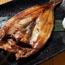 炭火烤遠東多線魚