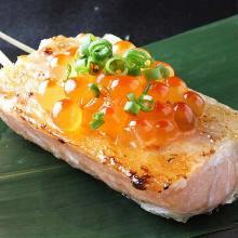 鮭魚炸串 配鮭魚子