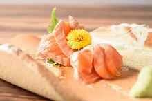 肥鮭魚(生魚片)