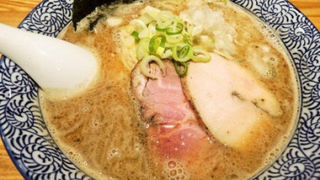 新宿等東京激戰區中擁有超人氣的好吃拉麵店