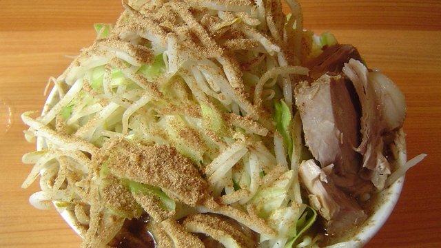 東京遊-滿碗溢出的重量級二郎拉麵 (ラーメン 二郎)